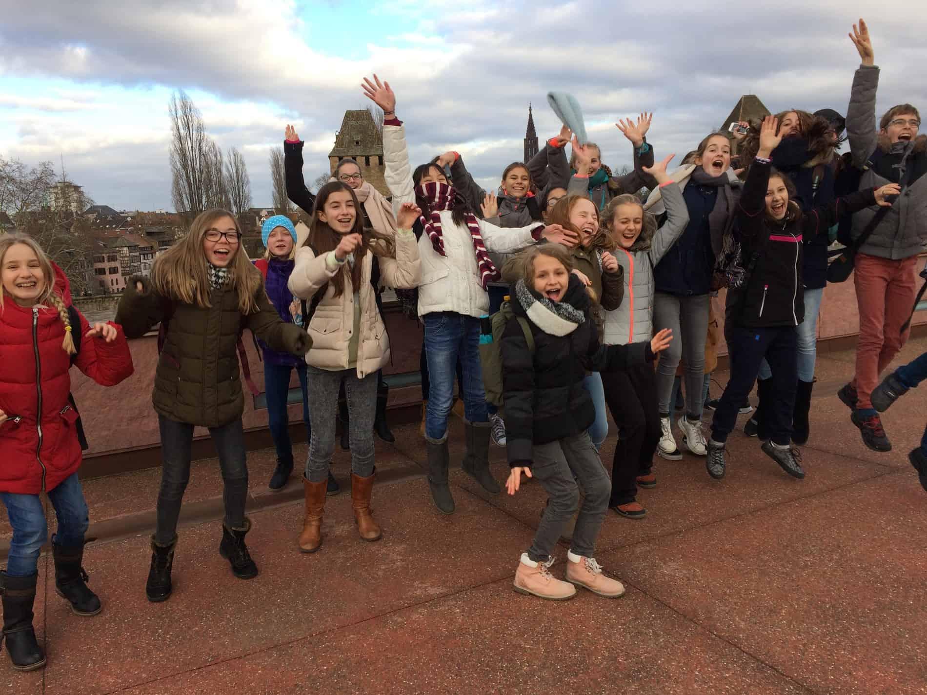 Photo de groupe ... en sautant !